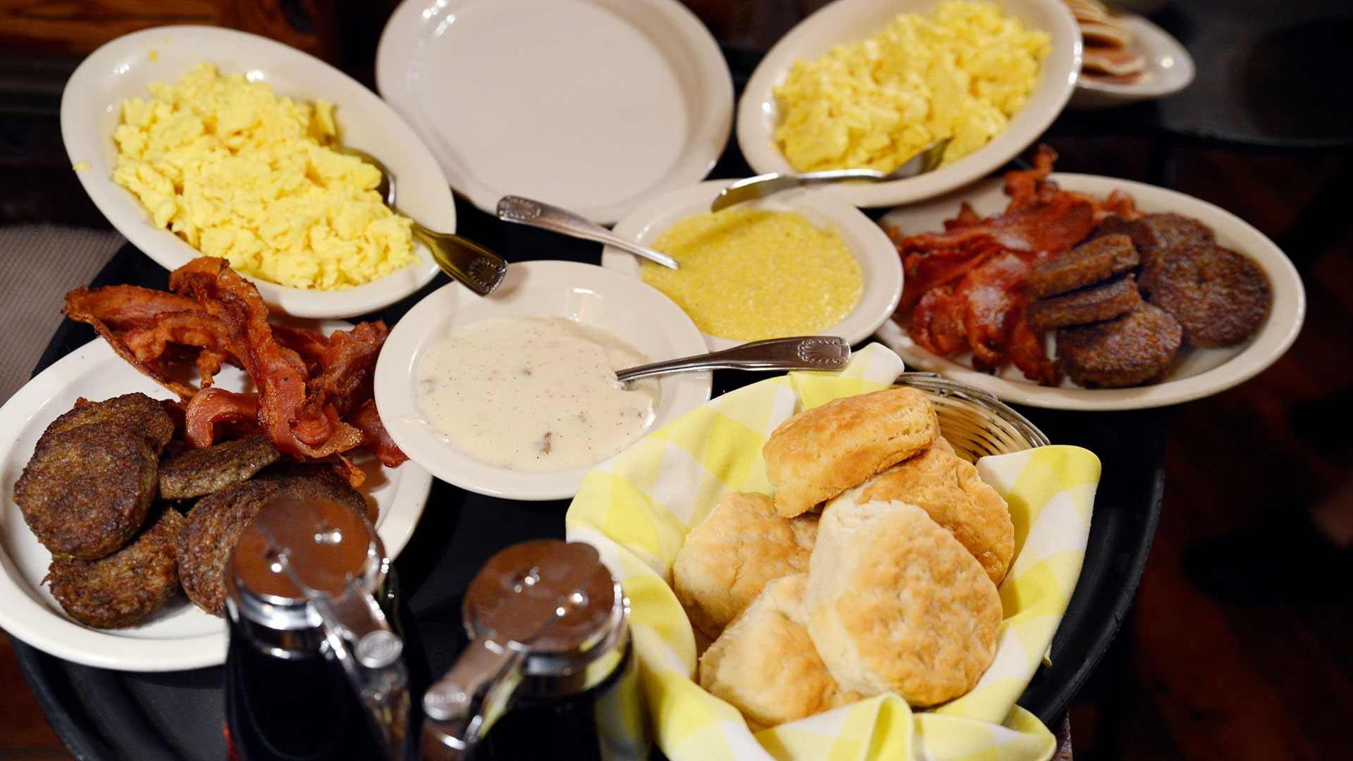 Old Mill breakfast being served