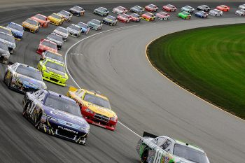 Race-cars-Tri-City-Speedway-Granite-City