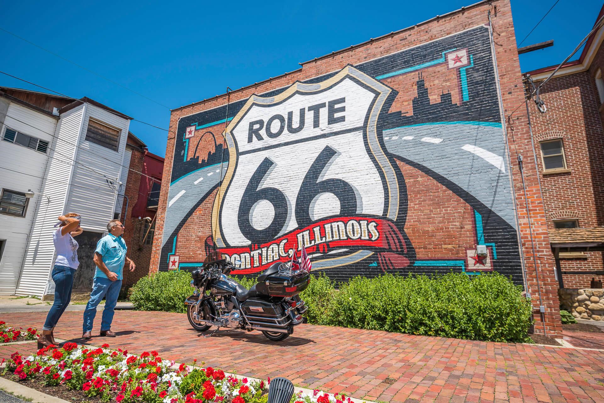 Route 66 mural in Pontiac Illinois