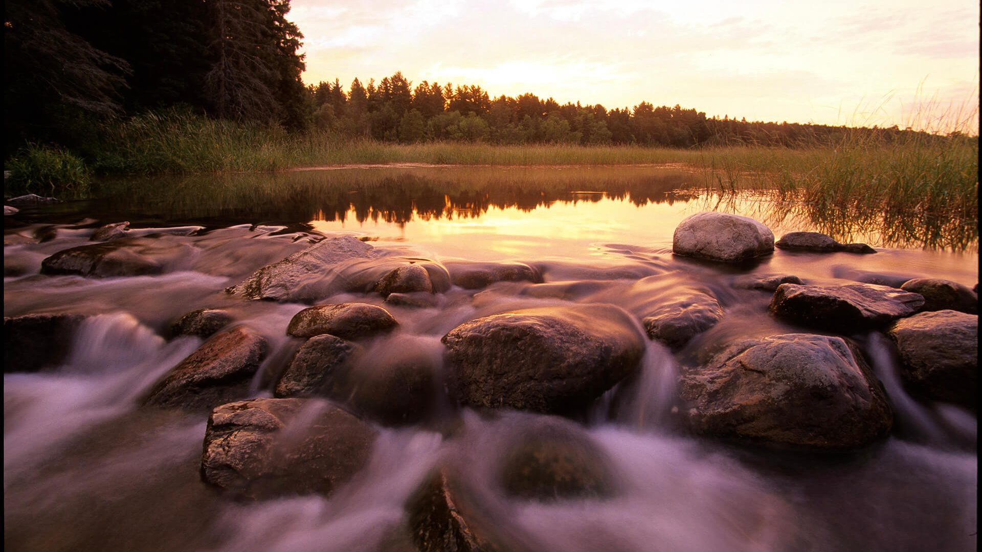 Lake Itasca and Headwaters of the Mississippi River in Itasca State Park
