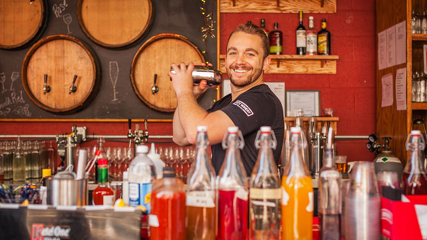Chicago bartender mixing drinks